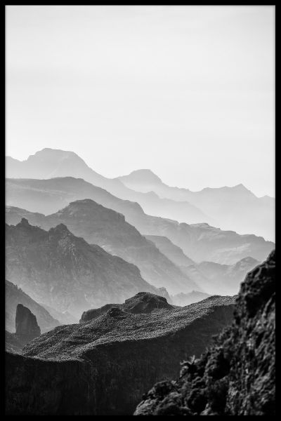 Misty Mountains Black & White Juliste