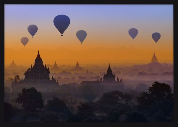 Myanmar Air-balloons and Pagodas Juliste